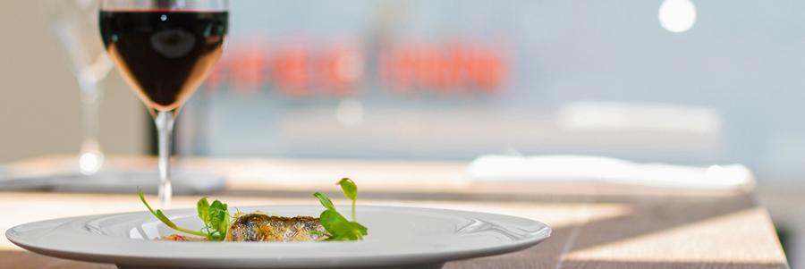 集客に、レシピ開発に! 飲食業界のAI活用事例