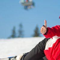 サイネージで閲覧も可能! スキー中の写真を自動撮影するサービス