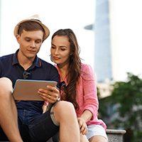 外国人も安心・満足! インバウンド向けのデジタルサイネージ