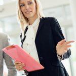 車販売にデジタルサイネージを利用するメリット